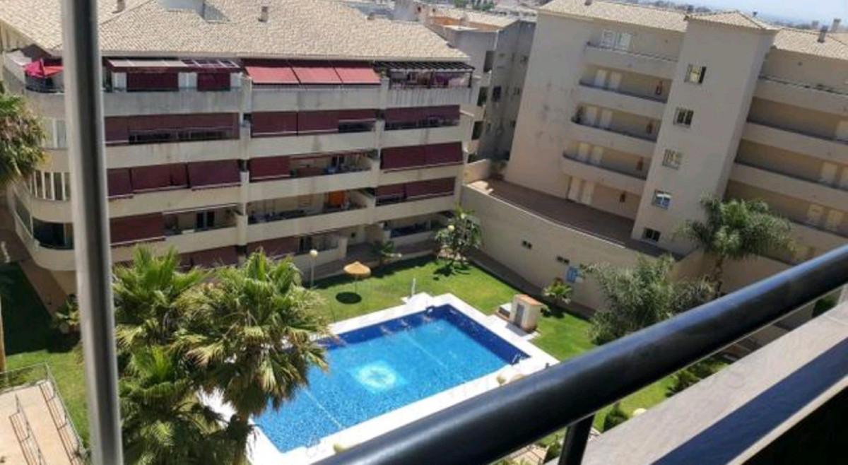 Middle Floor Apartment for sale in Las Lagunas R3639218
