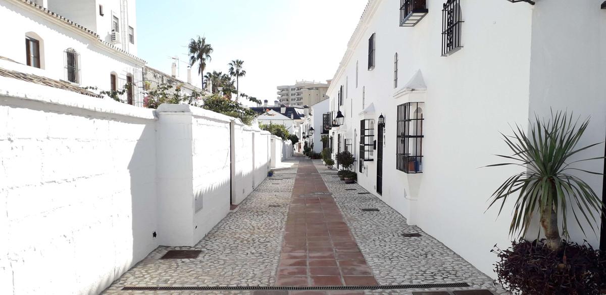 Rijhuis te koop in Fuengirola R3778006