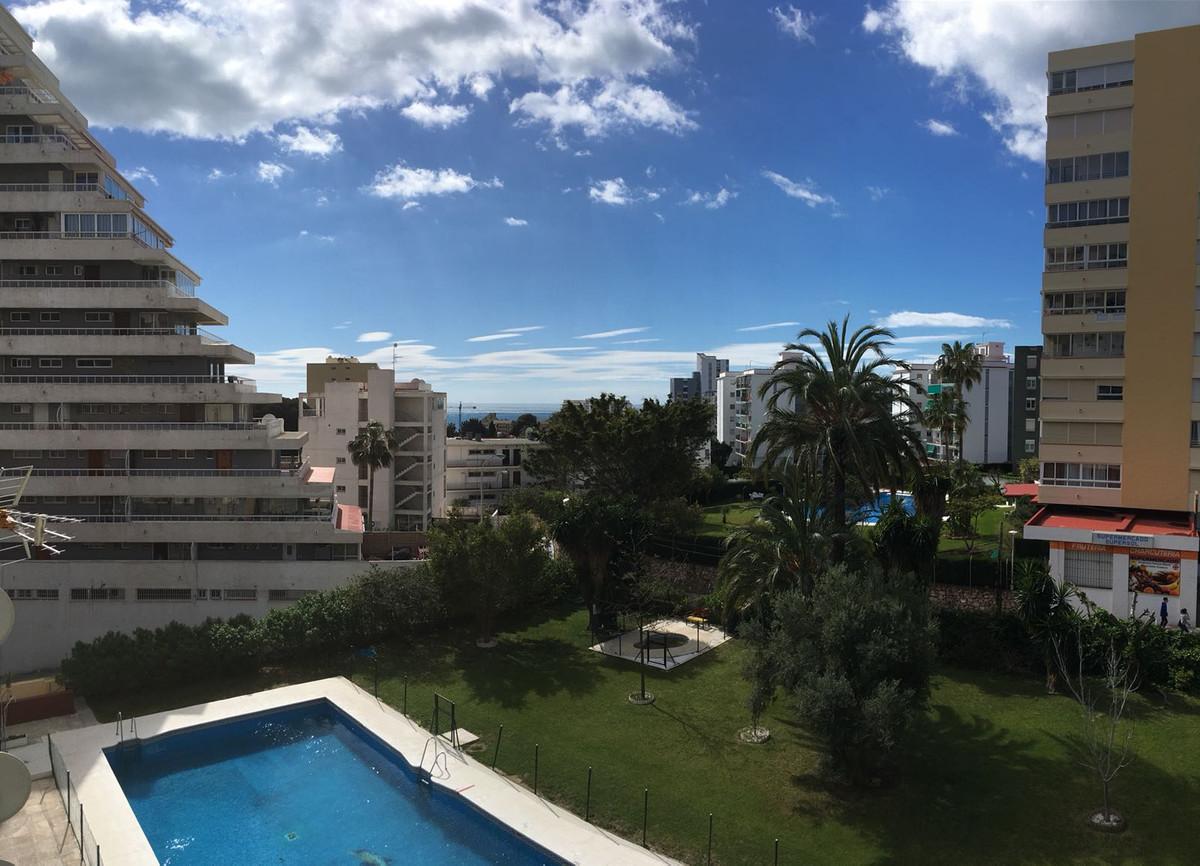 Middle Floor Apartment, Benalmadena, Costa del Sol. 1 Bedroom, 1 Bathroom, Built 81 m2;. community f,Spain