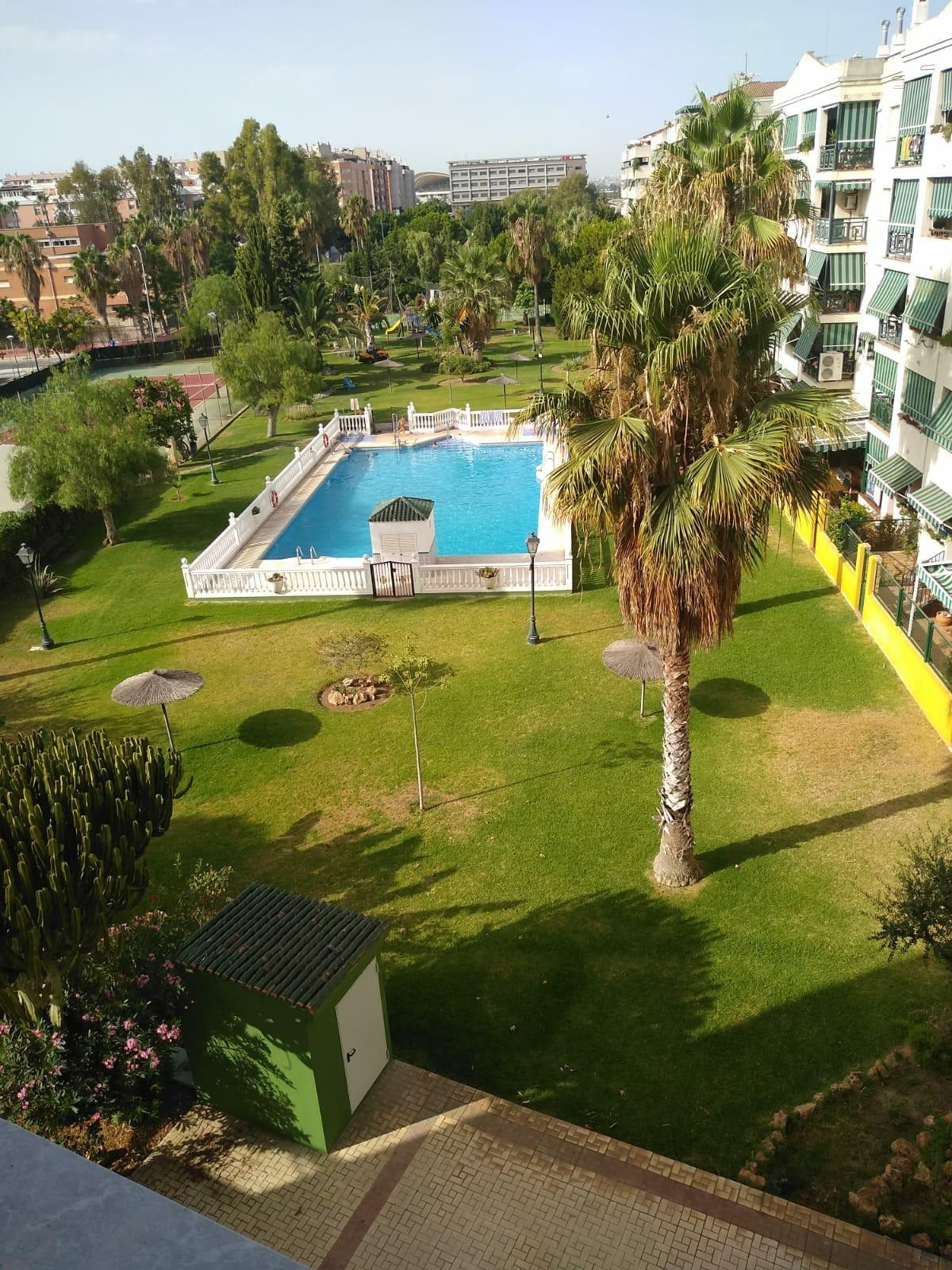 Middle Floor Apartment, Malaga Almudena, Costa del Sol. 3 Bedrooms, 2 Bathrooms, Built 107 m2;.  Set,Spain