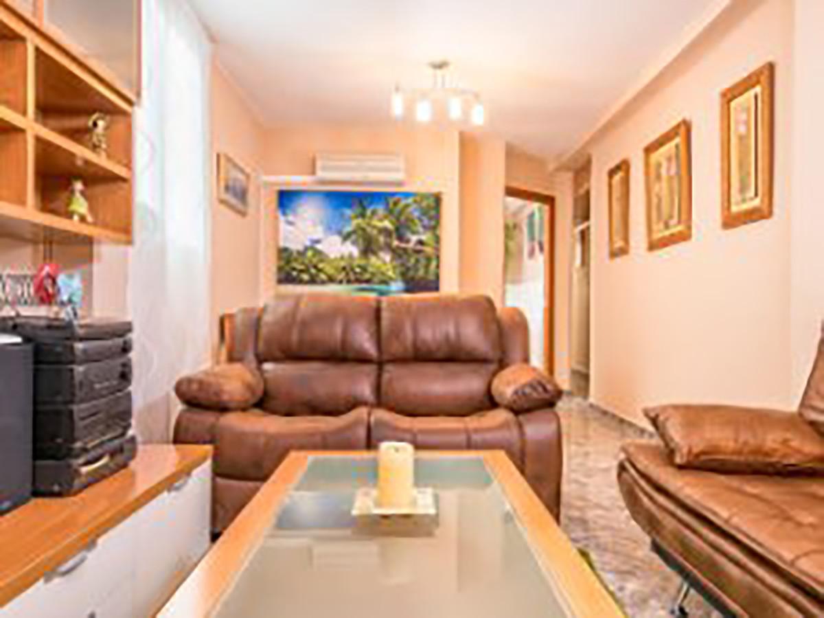 Middle Floor Apartment, Malaga 4 mn walking historic Centre, Costa del Sol. 2 Bedrooms, 1 Bathroom, ,Spain