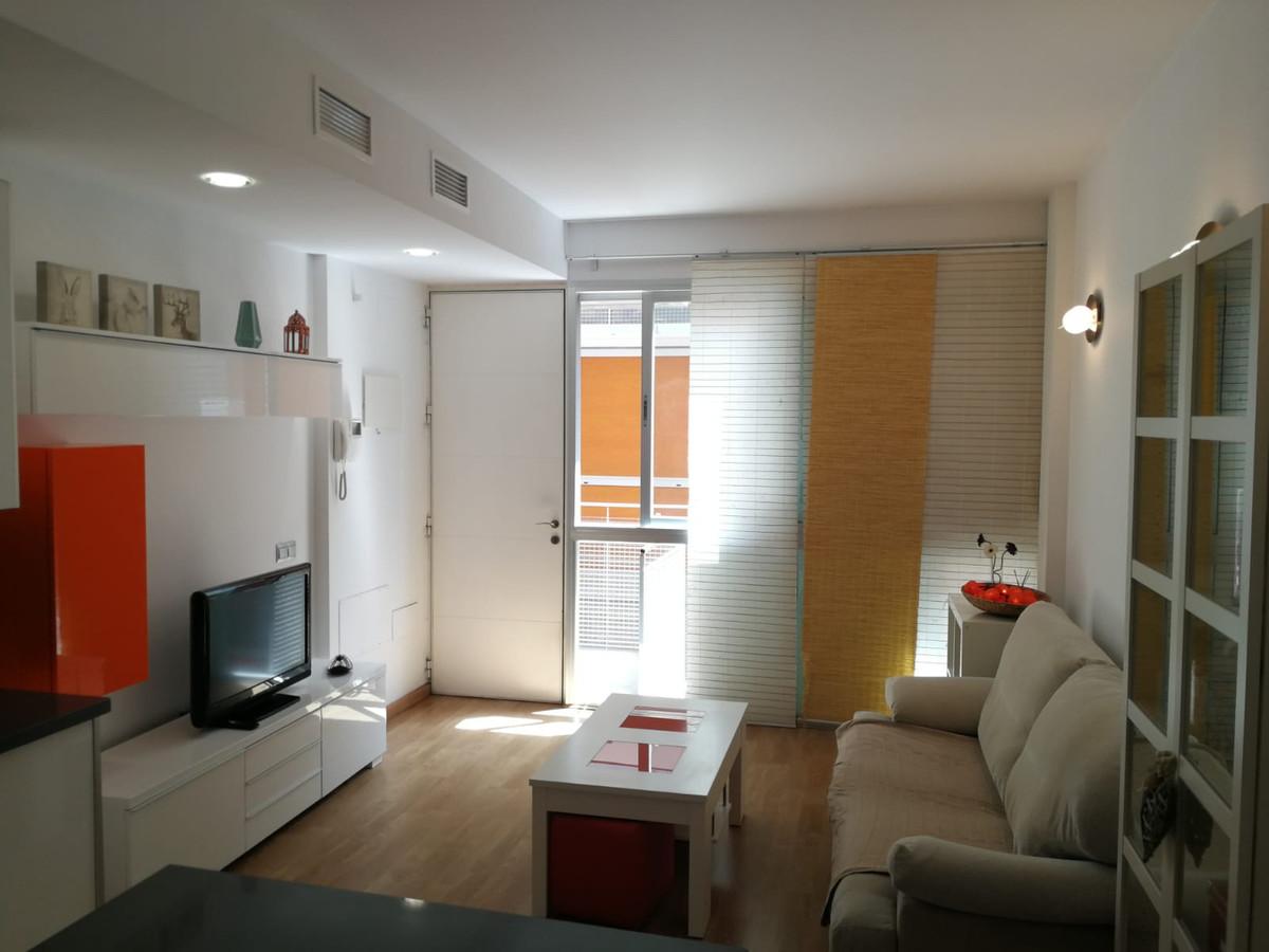 Middle Floor Apartment, Malaga 2mn walking historic Centre, Costa del Sol. 1 Bedroom, 1 Bathroom, Bu,Spain