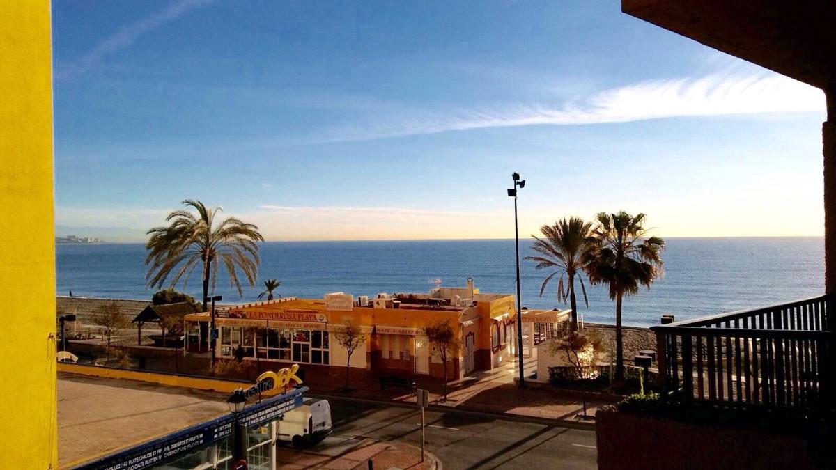 Middle Floor Studio, Fuengirola paseo maritimo, Costa del Sol. Built 25 m2;.  Setting : Beachfront, ,Spain