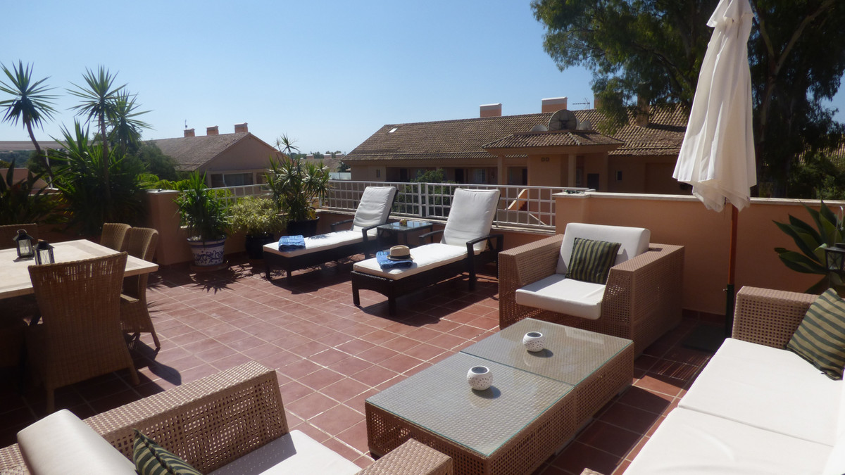 This well maintained Penthouse apartment is in the very popular community, Jardines de santa maria. ,Spain