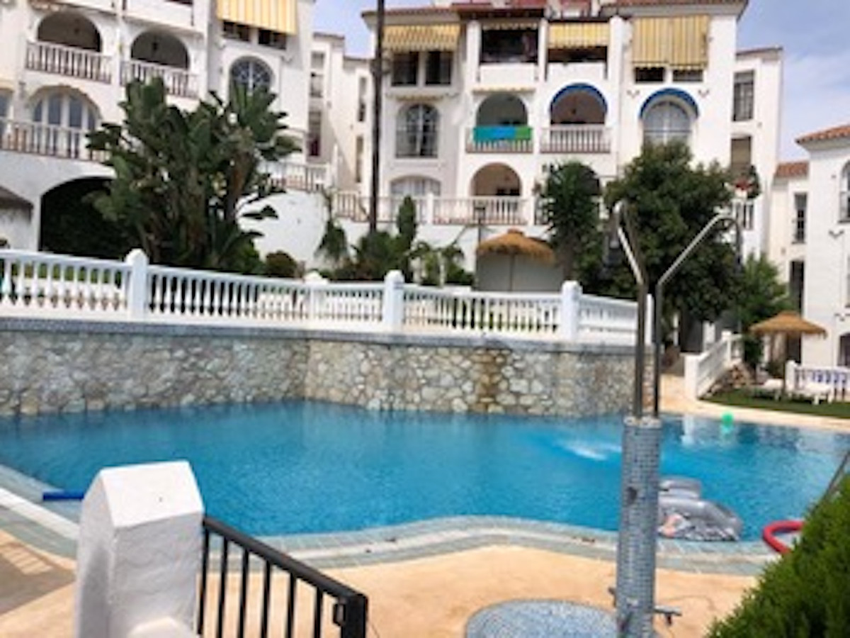 Apartment in the center of the Riviera del Sol. Near some golf courses, 6 minutes from the A7 and th,Spain
