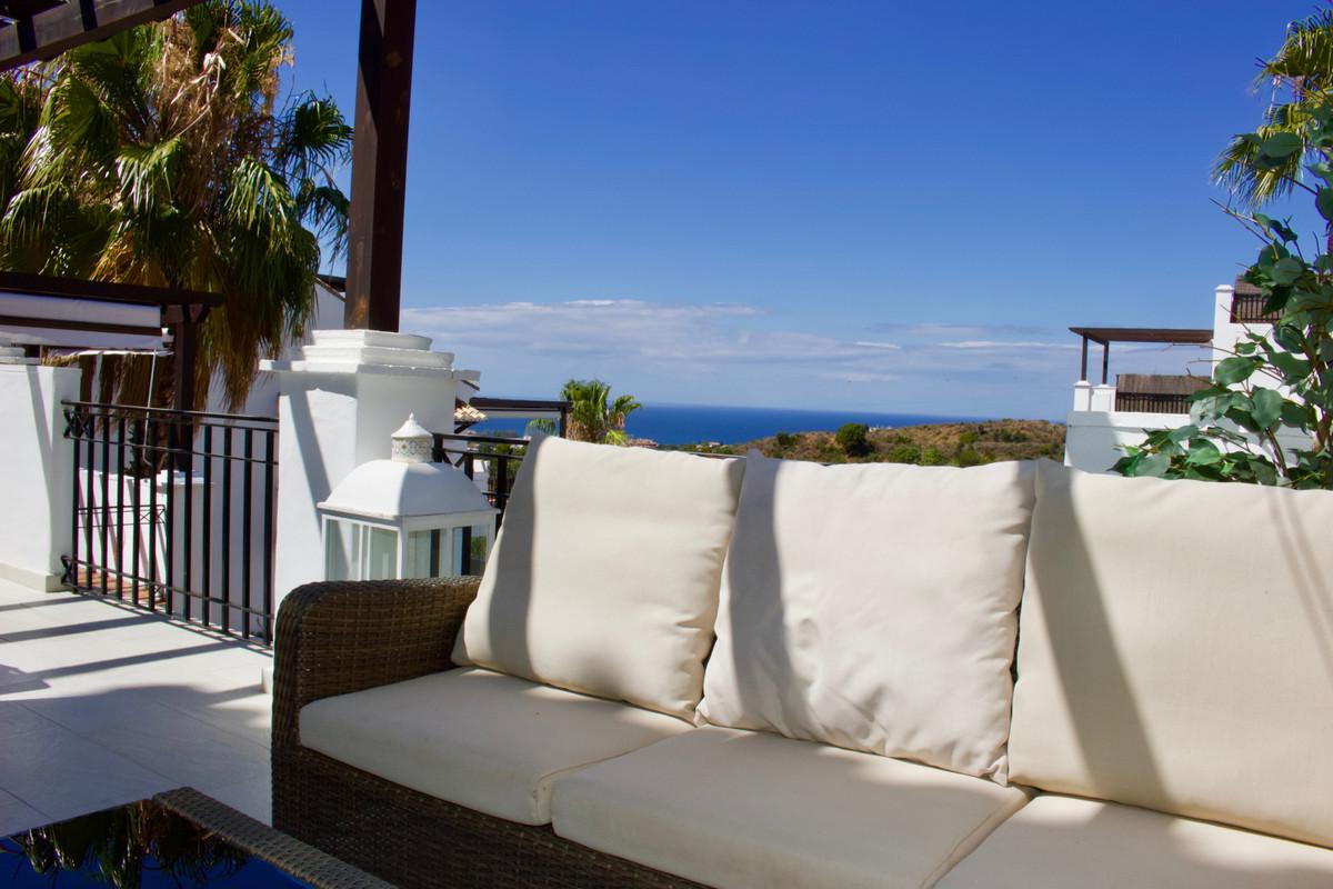 Beautiful triplex apartment overlooking the Mediterranean Sea in Altos de Los Monteros. This well eq,Spain