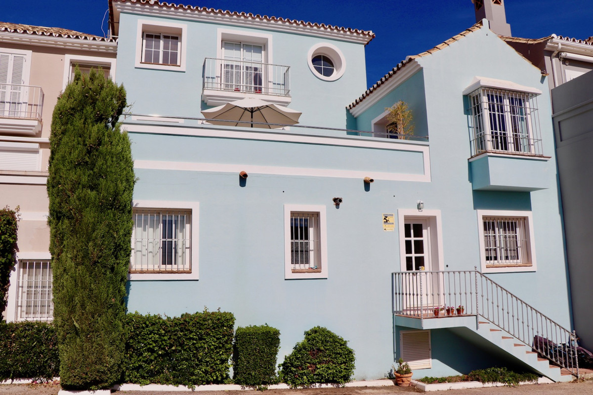 Charming Townhouse with amazing views, big kitchen with dining area and direct access to the terrace,Spain