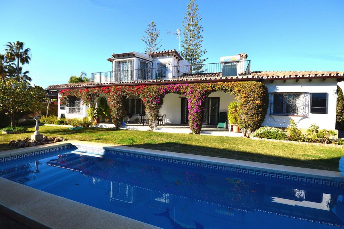 Detached Villa, Marbella, Costa del Sol. 3 Bedrooms, 2 Bathrooms, Built 153 m², Garden/Plot 679 m². ,Spain
