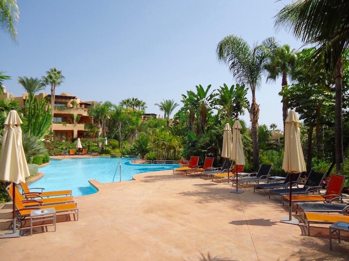 Bargain in Mansion Club. Luxurious 3 Bedroom Ground Floor Apartment, Golden Mile, Marbella.  Entranc,Spain