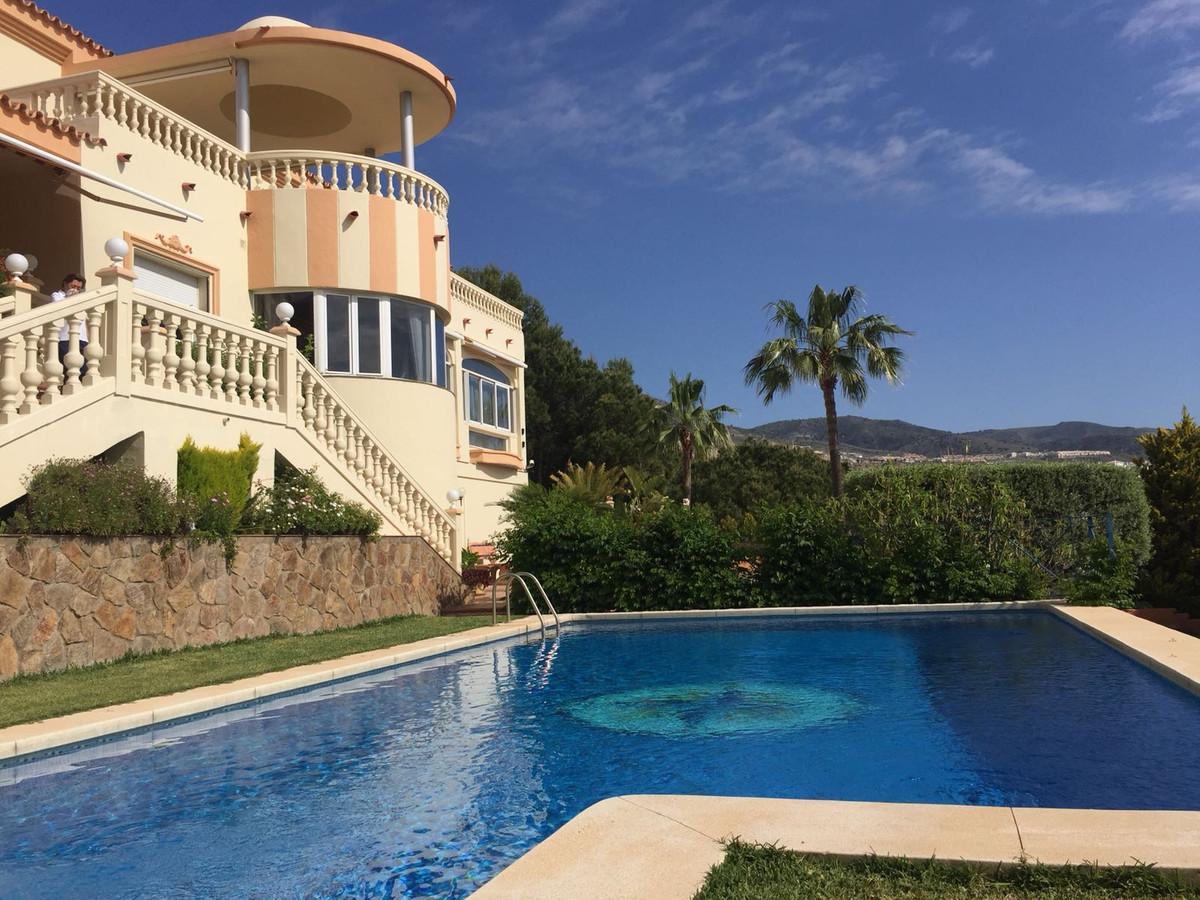 Stunning luxury villa with amazing sea views, elevator, sauna, gym, big swimming pool, separate gues,Spain
