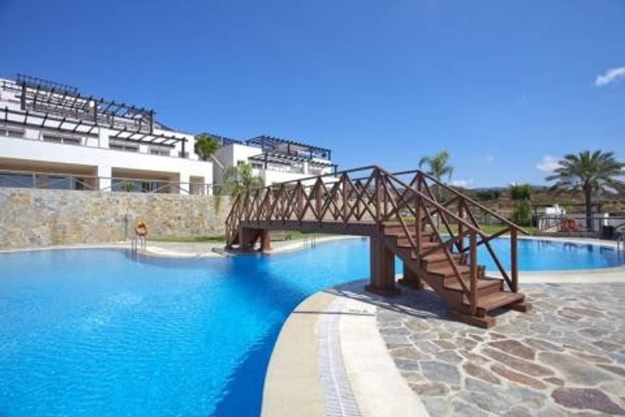 Semi - detached villa located in the urbanization of Santa Clara Golf. With 2 floors, 2 terraces and,Spain