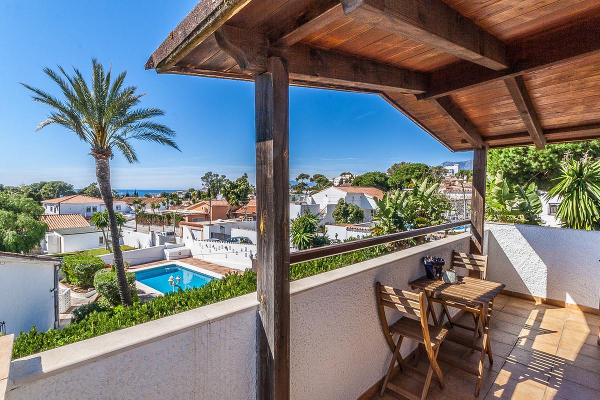 Detached Villa in Costabella