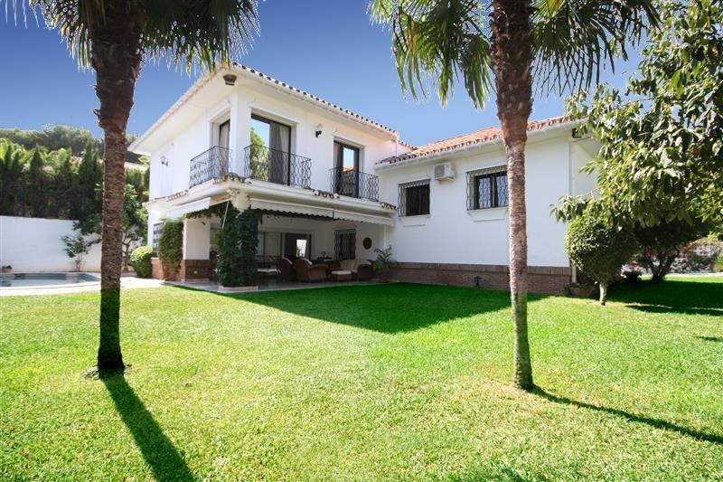 Villa zu verkaufen in Los Monteros R2043104