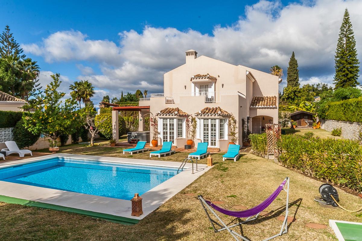 5 Bedroom Detached Villa For Sale Elviria