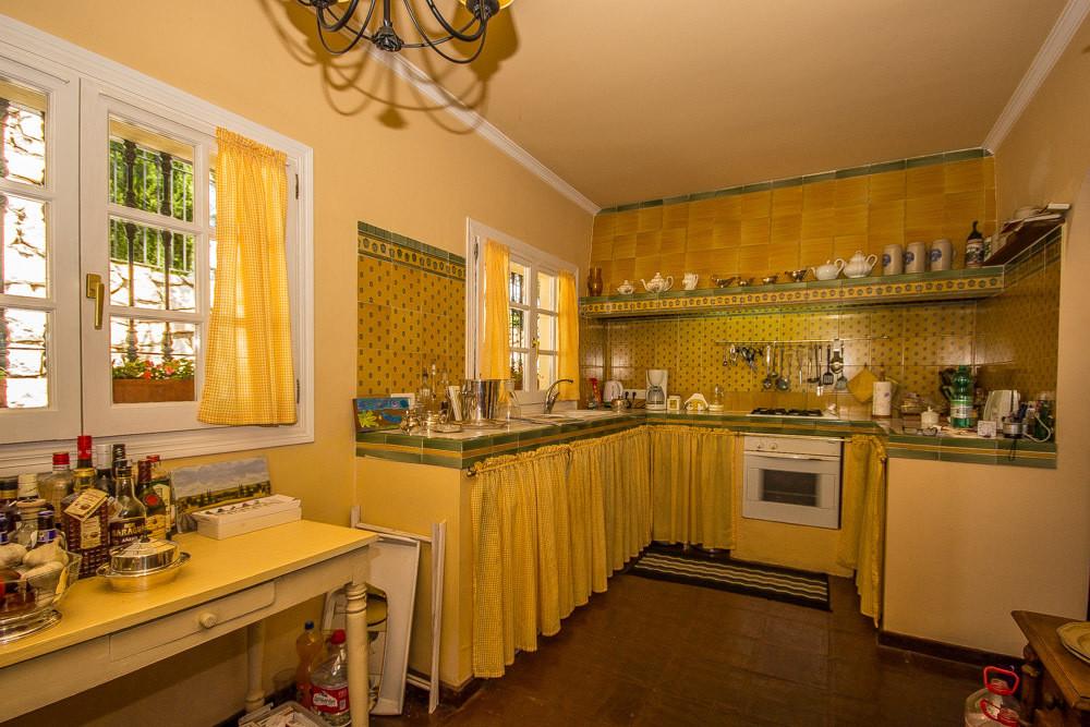 House in Elviria R2700632 15