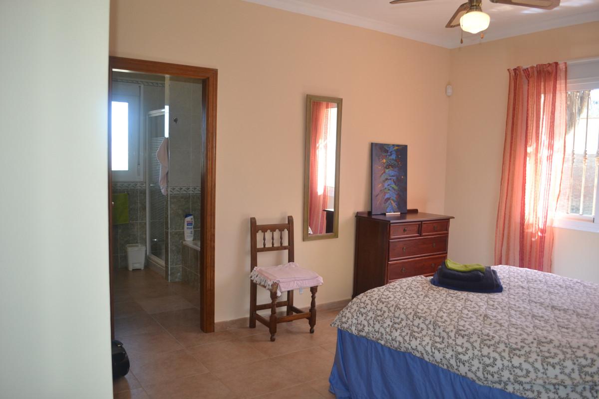 House in Alhaurín el Grande R3744406 29