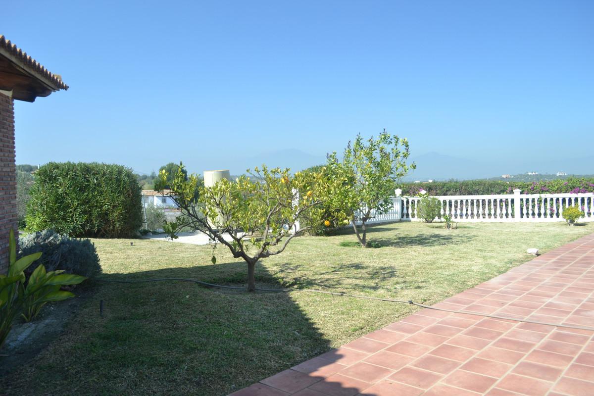 House in Alhaurín el Grande R3744406 40