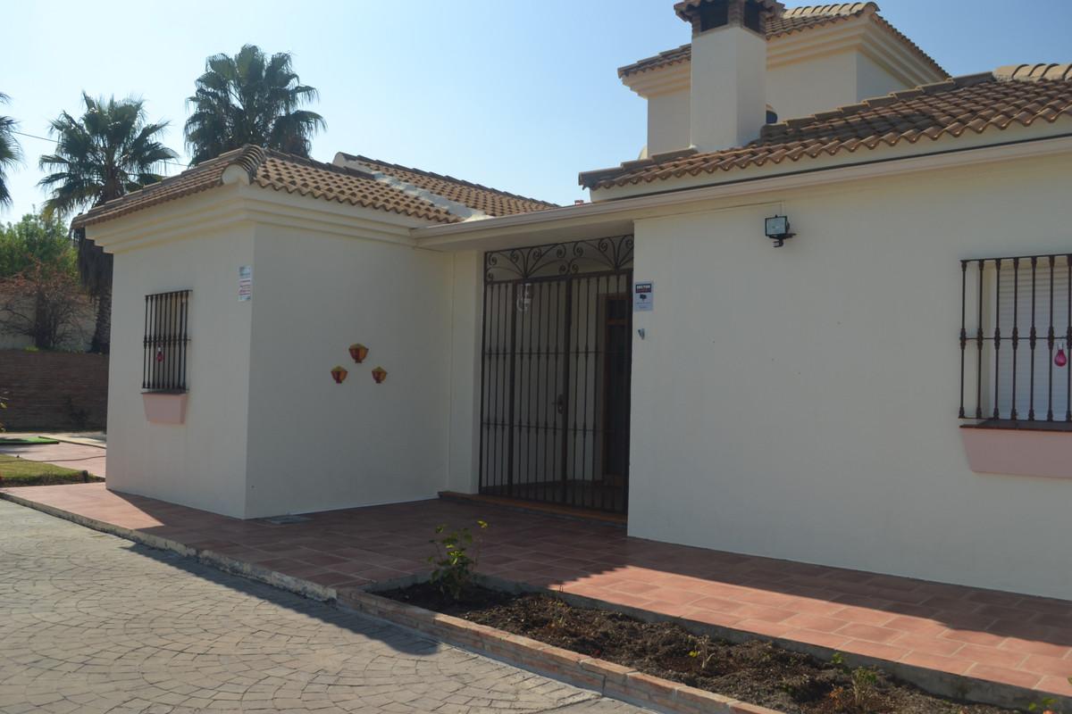 House in Alhaurín el Grande R3744406 9
