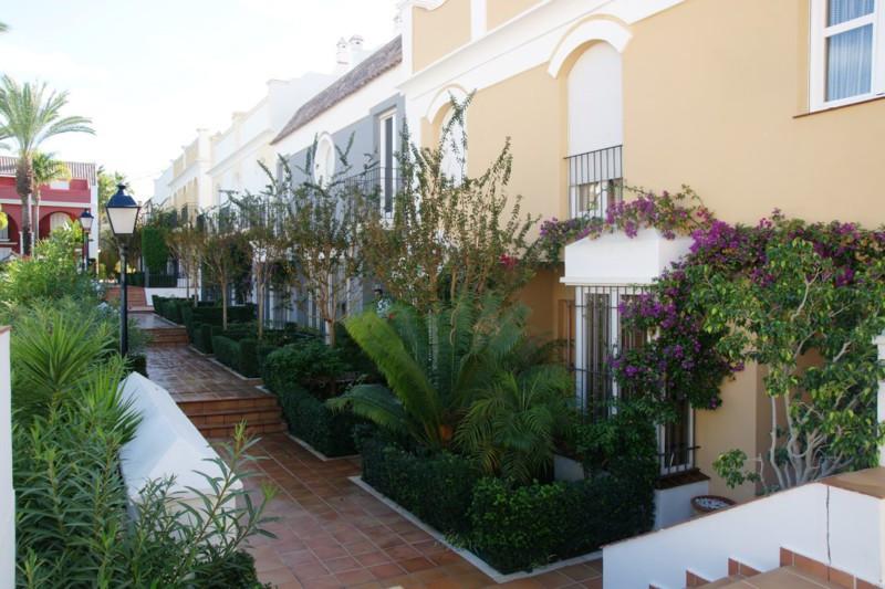 R2340119: Townhouse for sale in Bahía de Marbella