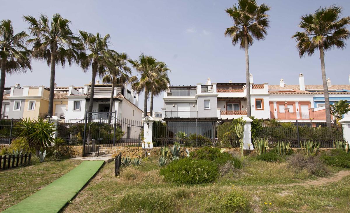 4 bedroom townhouse for sale bahia de marbella