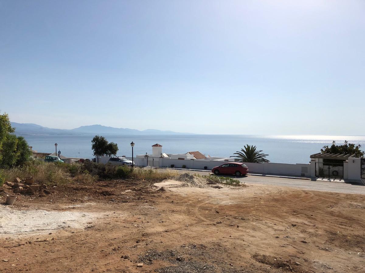 Excelente building plot situated en Urb. La Paloma with fantastic sea veiw Plot size 1223m2 Posible ,Spain