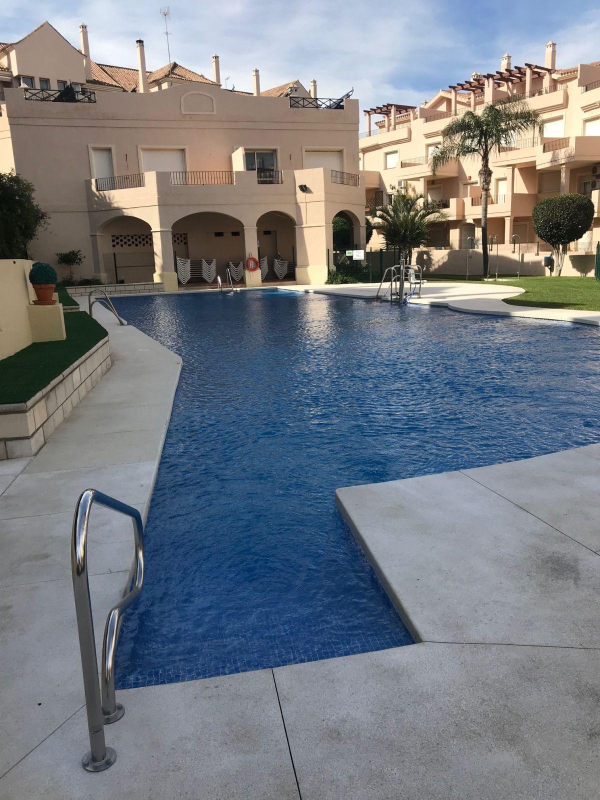 Middle Floor Apartment, La Duquesa, Costa del Sol. 2 Bedrooms, 2 Bathrooms, Built 95 m², Terrace 25 ,Spain