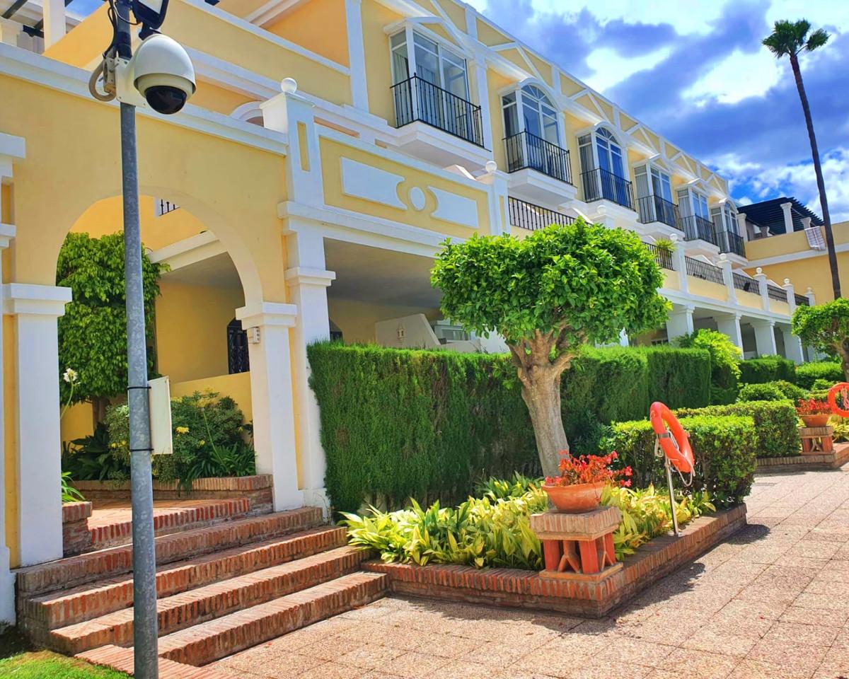 2 Bedroom Apartment For Sale, Nueva Andalucía