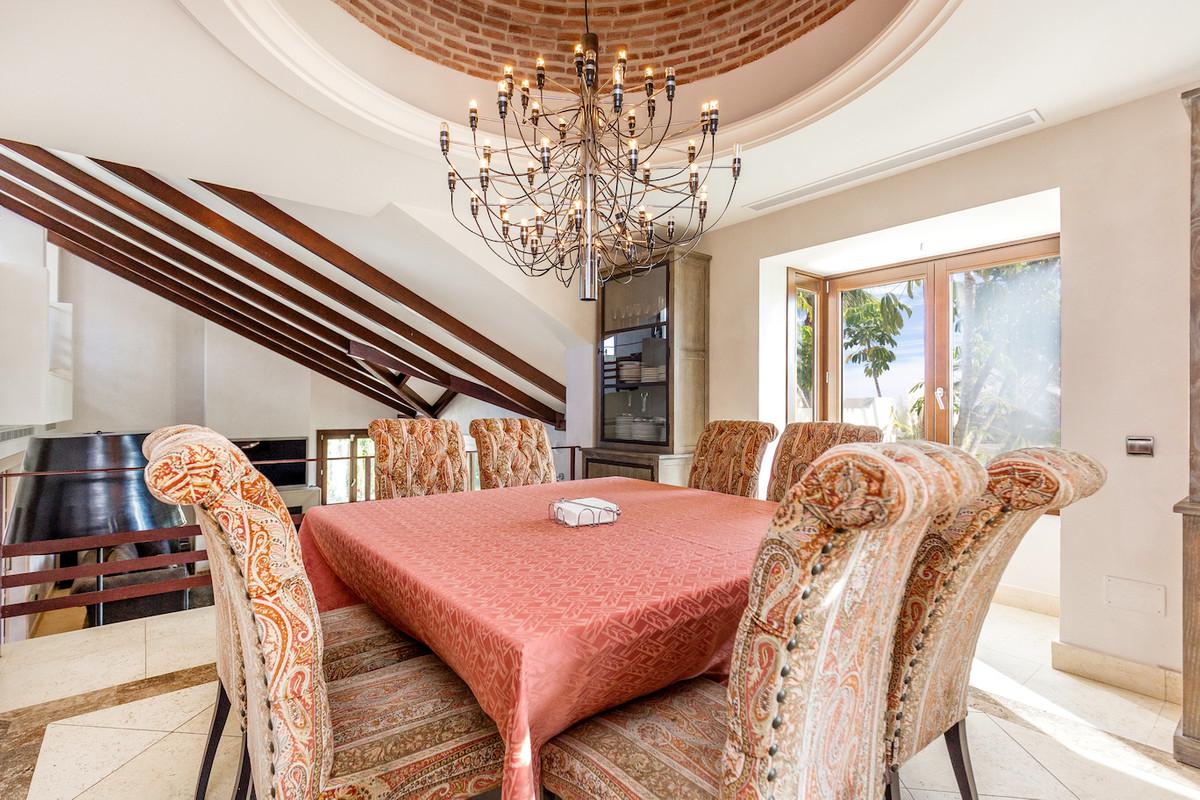 House in Benahavís R2803439 7