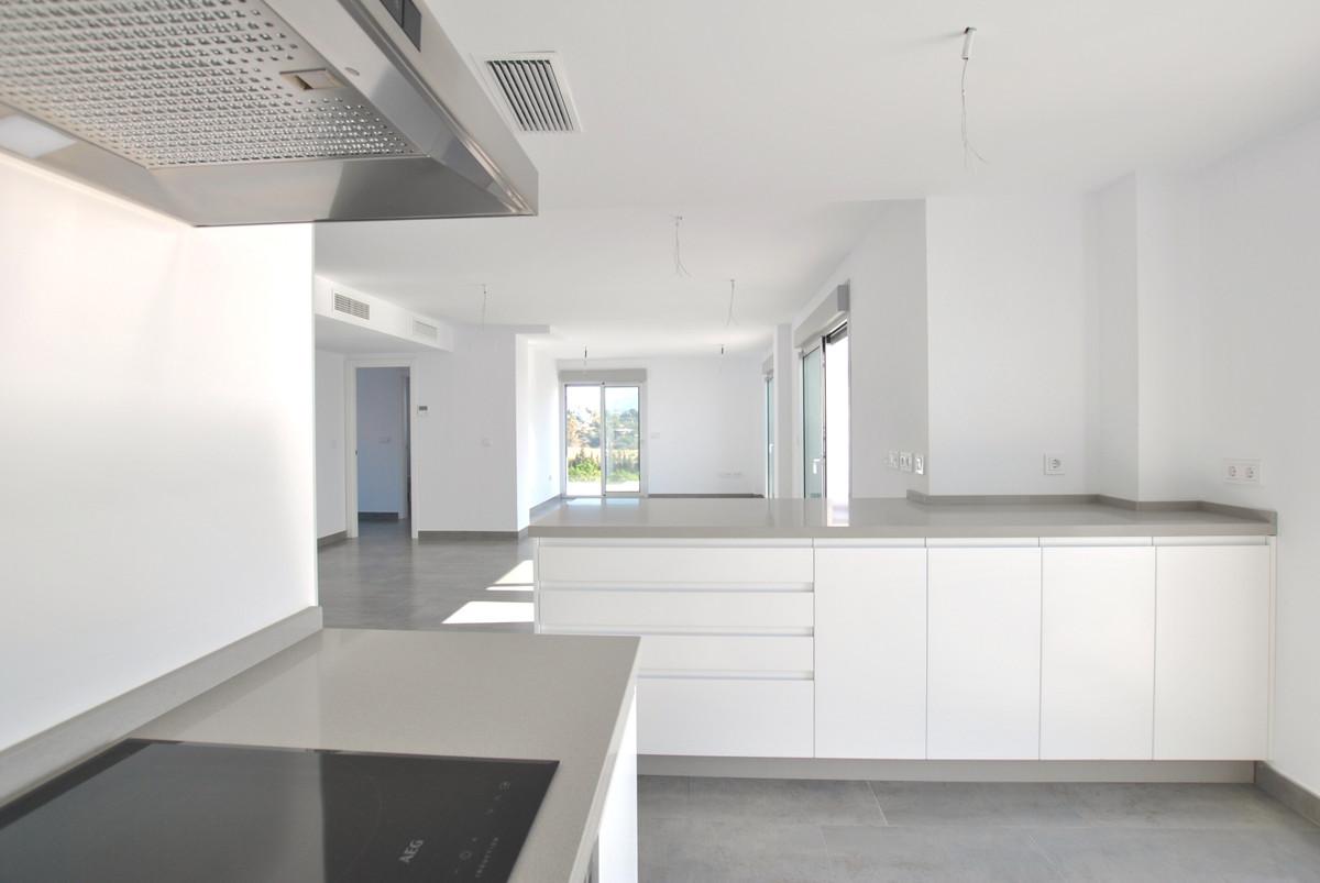 Apartamento con 2 Dormitorios en Venta Estepona