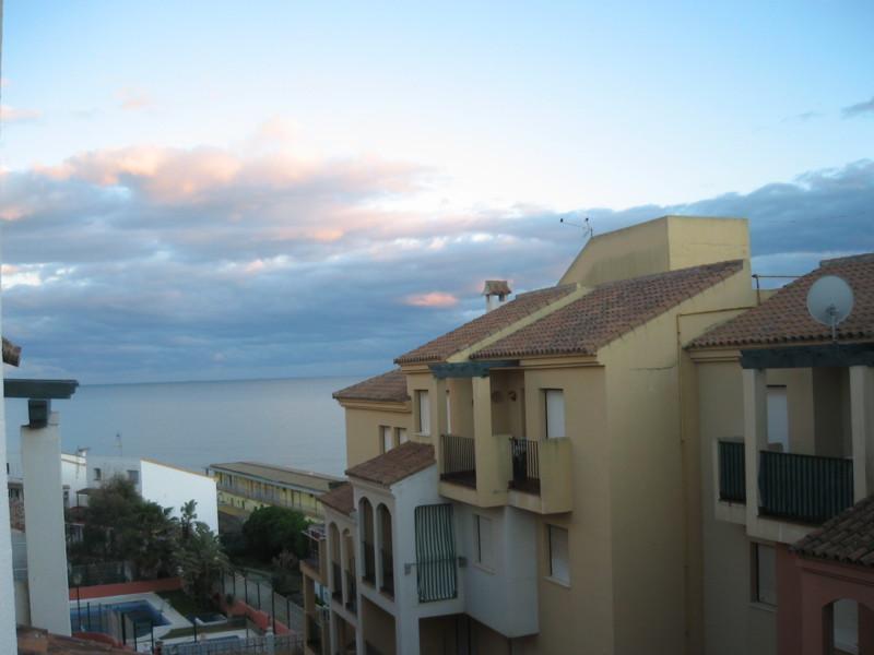 Top Floor Apartment in Manilva