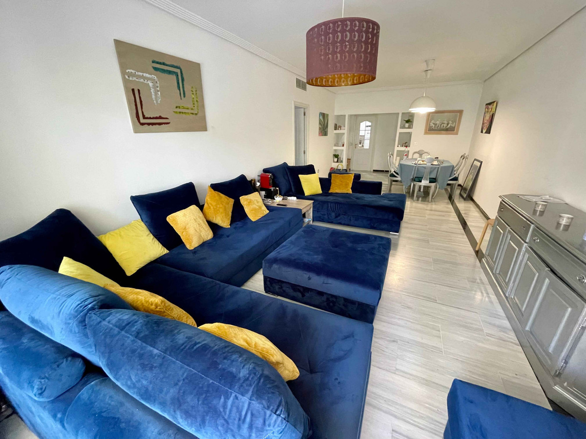 Beautiful apartment located only 2 minutes walk to the beach. It consist of 3 bedrooms, 2 bathrooms,Spain