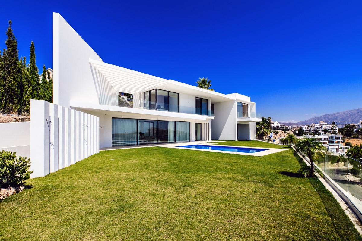Detached Villa for sale in Benahavís R2843021