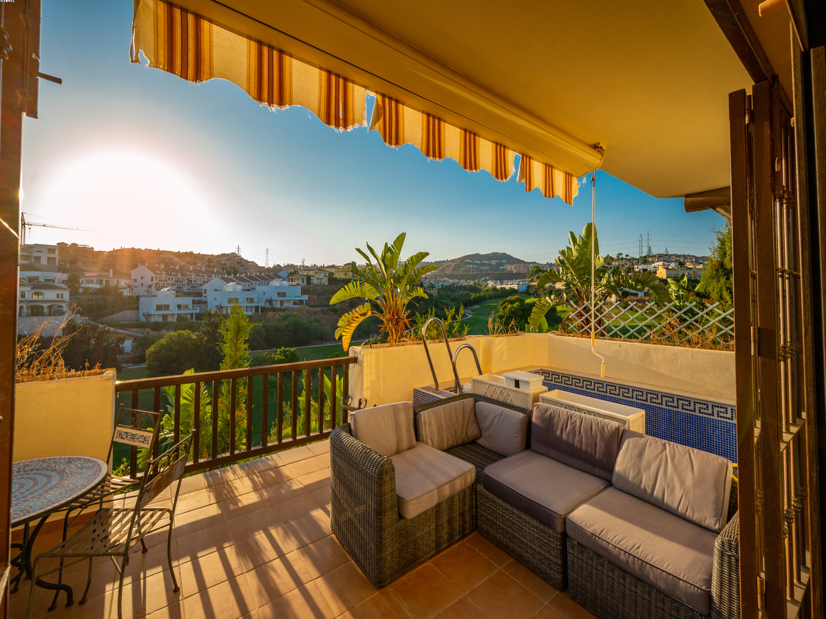 A great opportunity to buy a beautiful villa for the price of an apartment! Located  in the middle a,Spain