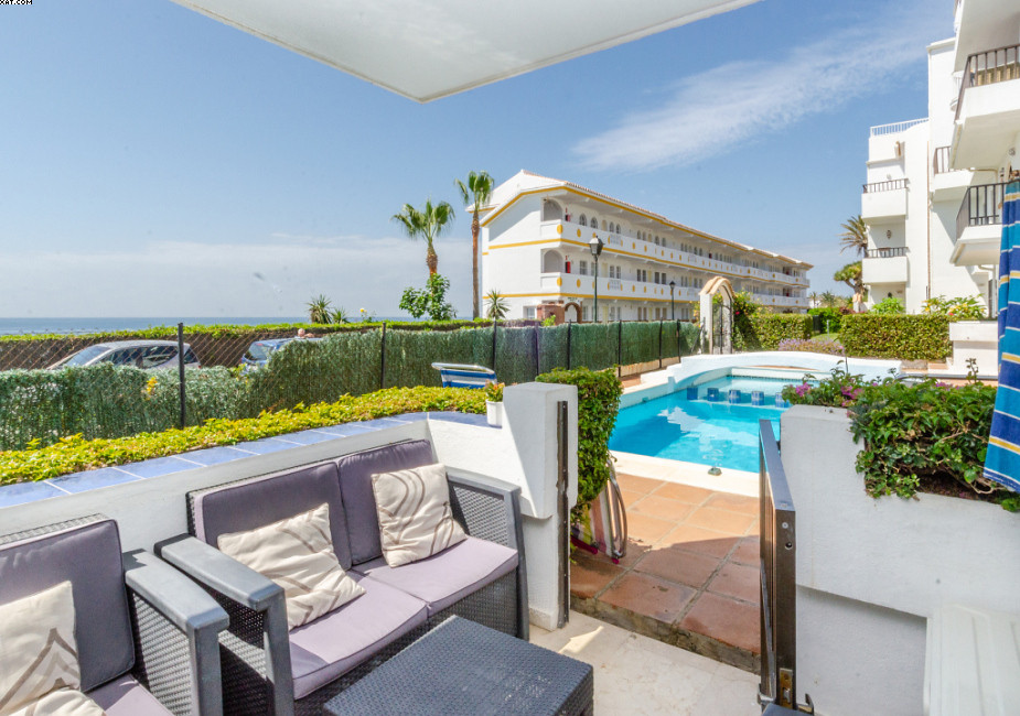 La Cala second line beach front property with views straight to the ocean. Ground floor 2 bed, 2 bat,Spain