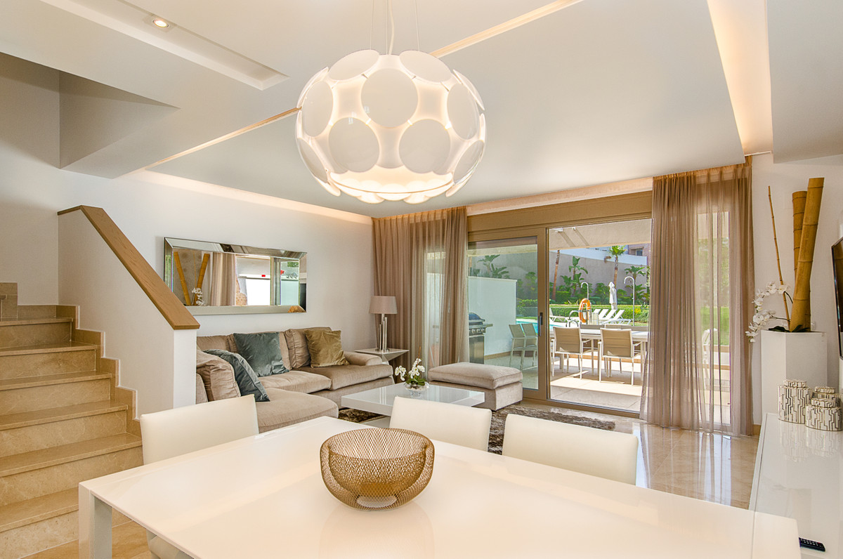 A BEAUTIFUL, MODERN, NEW AND FULLY FURNISHED TOWNHOUSE WITH A PRIVATE ELEVATOR REDUCED FOR QUICK SAL,Spain