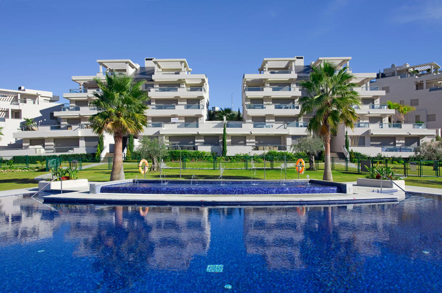 The best unit in the complex! South facing duplex penthouse in Los Arrayanes Golf with uninterrupted,Spain