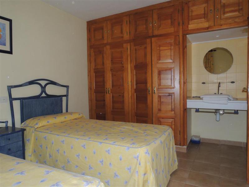 House in Calahonda R2399783 8