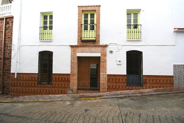 Townhouse, Yunquera, Costa del Sol. 6 Bedrooms, 6 Bathrooms, Built 214 m², Terrace 117 m².  Setting ,Spain