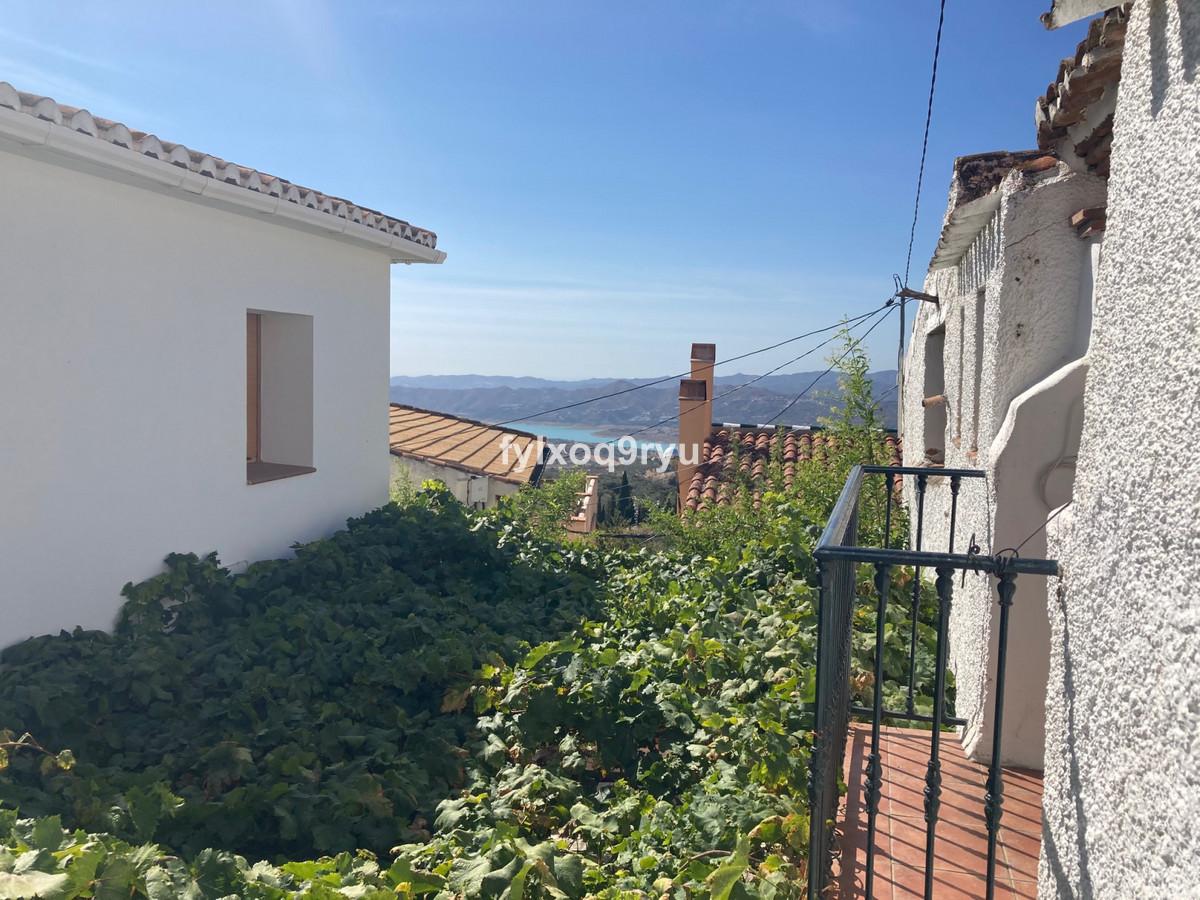 Finca - Cortijo, Periana, Costa del Sol East. 2 Bedrooms, 1 Bathroom, Built 72 m², Garden/Plot 72 m²,Spain