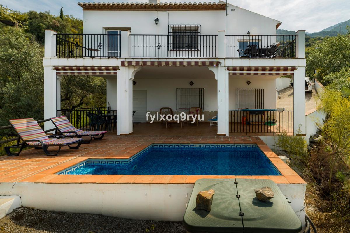 Ref:R3687632 House - Detached Villa For Sale in Alcaucín