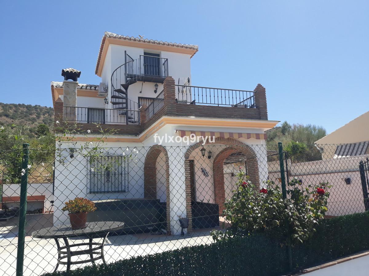 Ref:R3687599 House - Detached Villa For Sale in Alcaucín