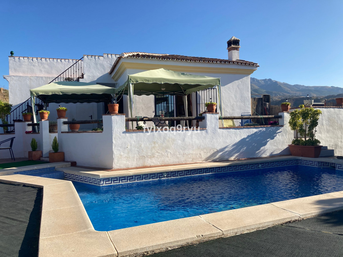 Ref:R3722249 House - Detached Villa For Sale in Canillas de Aceituno