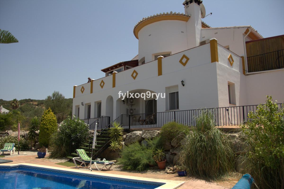 Ref:R3694934 House - Detached Villa For Sale in Alcaucín