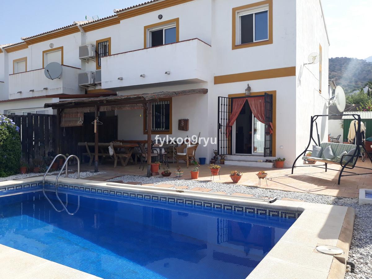 Ref:R3687581 House - Semi-Detached House For Sale in Alcaucín