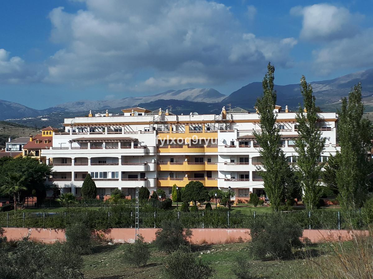 Top Floor Apartment, Puente don Manuel, Costa del Sol East. 2 Bedrooms, 2 Bathrooms, Built 62 m².  S,Spain
