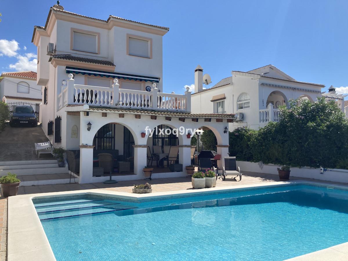 Detached Villa, Puente don Manuel, Costa del Sol East. 3 Bedrooms, 3 Bathrooms, Built 251 m², Garden,Spain