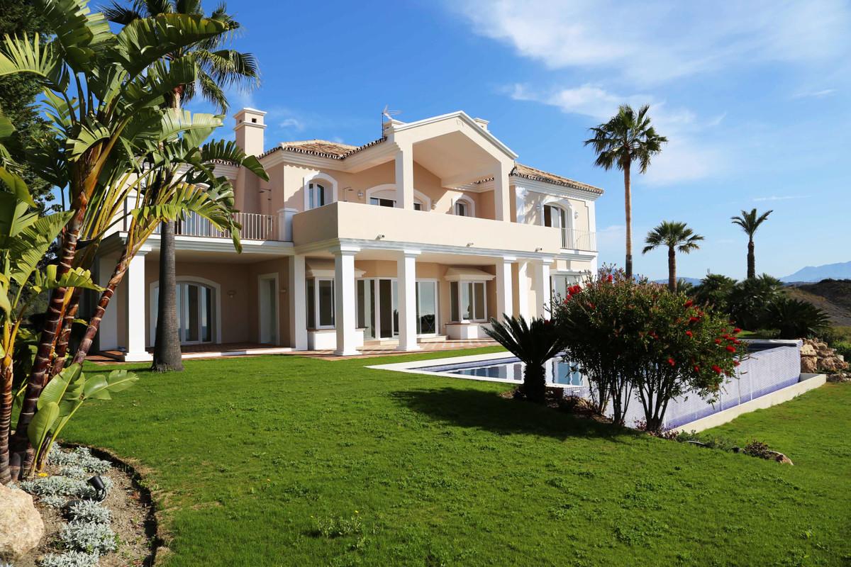 House in Selwo R3085240 1