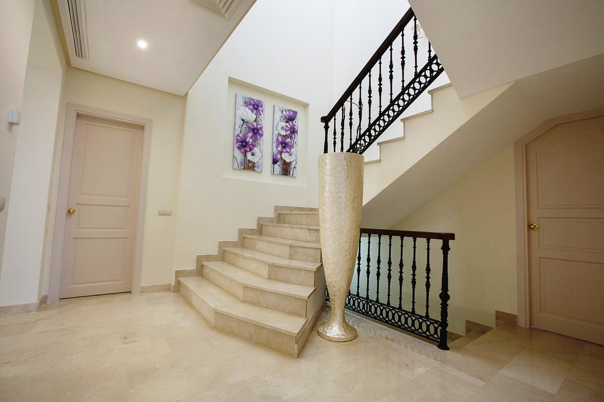 House in Selwo R3085240 14