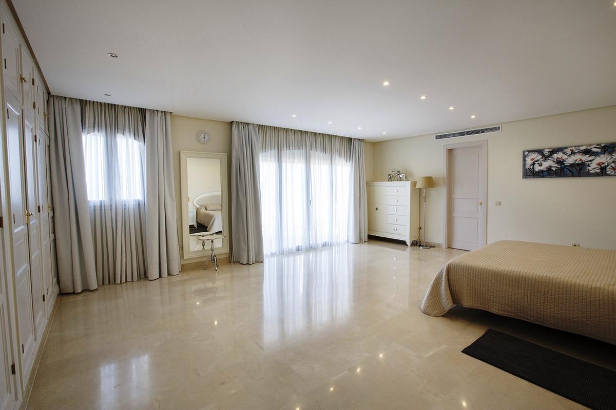 House in Selwo R3085240 18