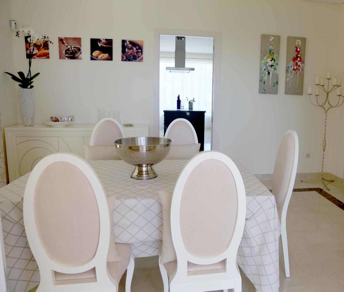 House in Selwo R3085240 29